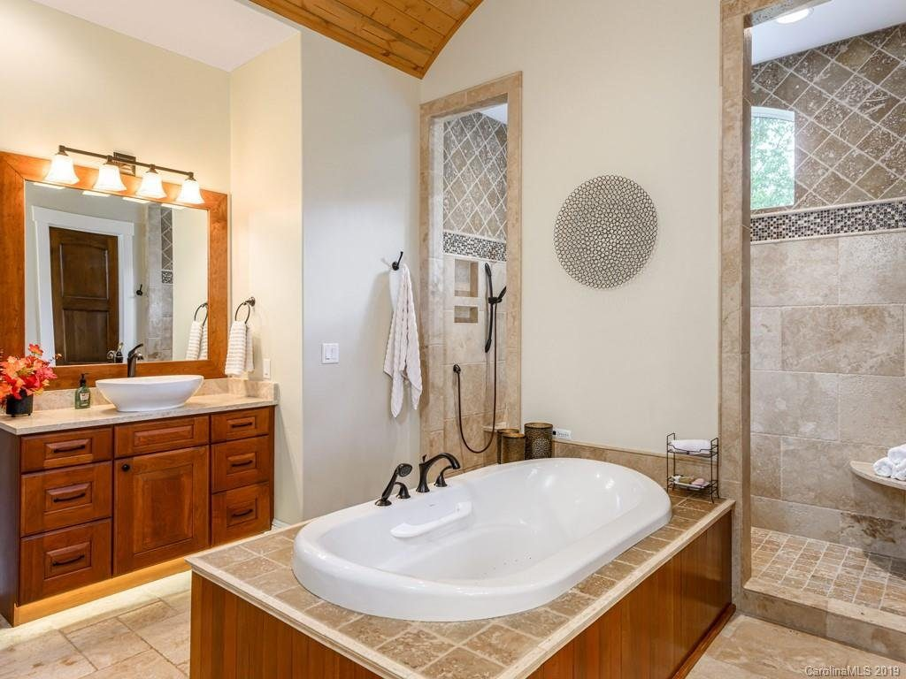 luxury home builders asheville