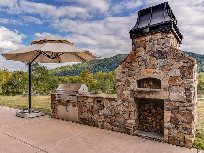 Asheville contractors_outdoor entertainment