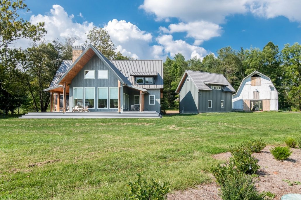 Modern Farmhouse_Asheville Builders 4