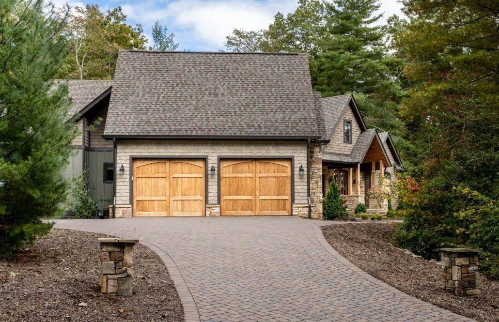 garage door design_luxury homes built in asheville nc